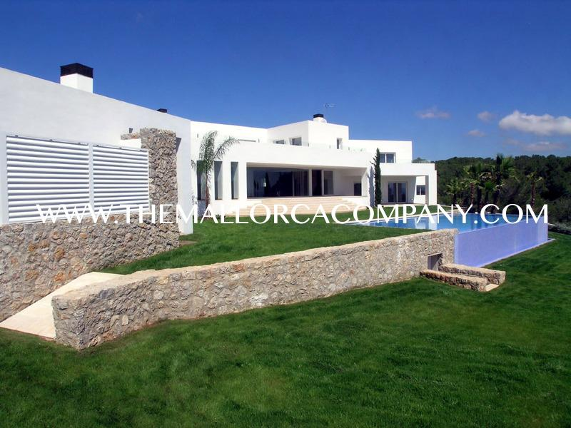 Modern style villa with amazing views in Sol de Mallorca