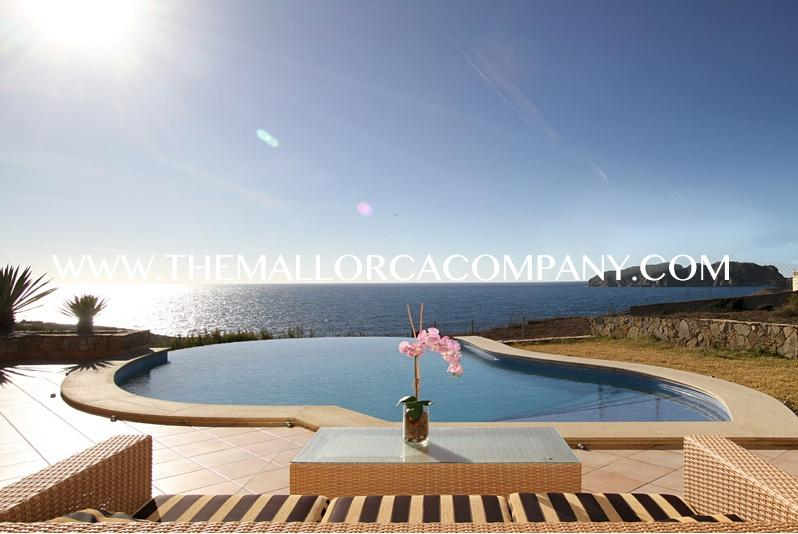 Frontline property with amazing views in Santa Ponsa
