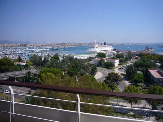 Modern tyle flat in 1st line on Paseo Maritimo in Palma