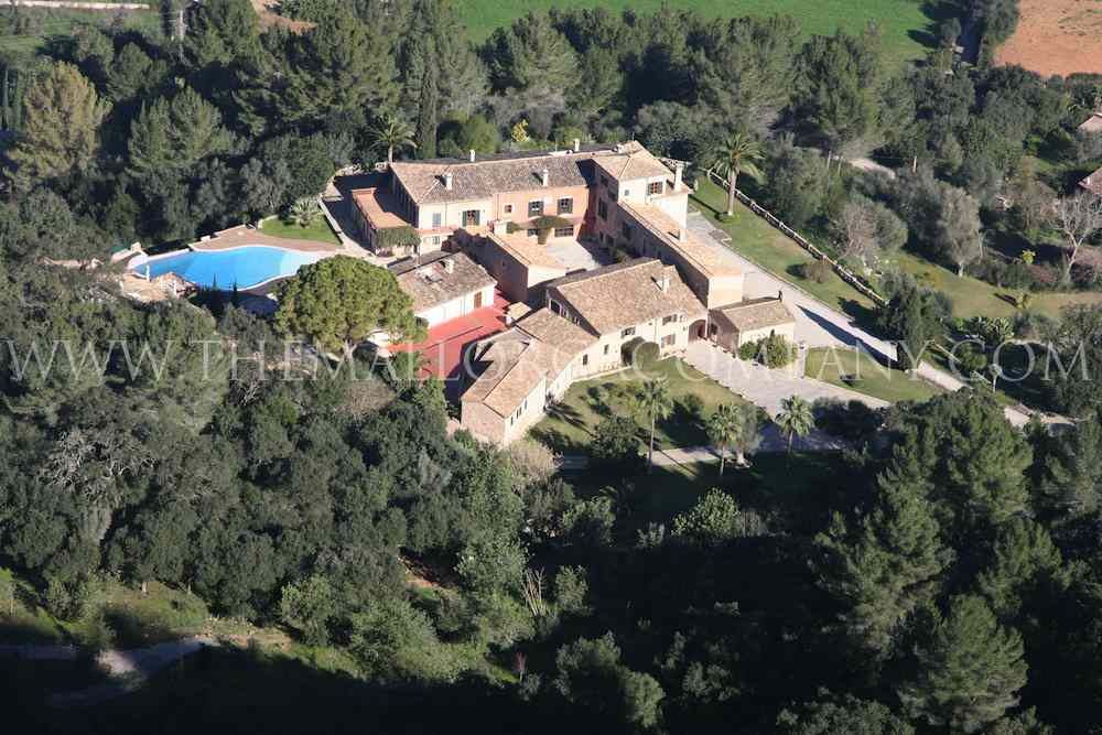 Impressive Mansion in the heart of the Tramuntana in Esporlas