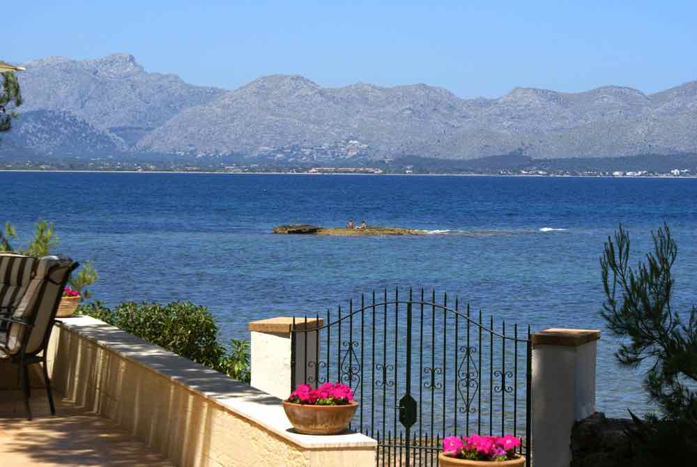 Mediterranean Dream home with sea access in Alcudia